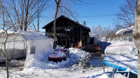 Un garage est la proie des flammes à Cap-Saint-Ignace