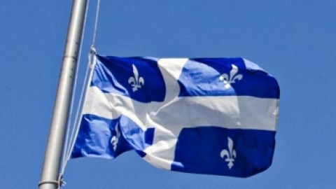 Montmagny mettra ses drapeaux en berne en mémoire des victimes de la COVID-19