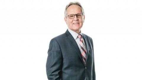 Jean-Guy Boulet demande de l'aide à la députée-ministre Proulx pour financer les plans et devis du projet de Complexe culturel et sportif en santé durable, évalués à $2,5 millions