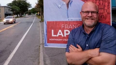 François Lapointe lance une ligne de téléphone pour les électeurs et priorisera  les dossiers citoyens
