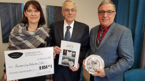 La Fromagerie de l'Île-aux-Grues et Marc Séguin lancent officiellement la bourse Les Arts de l'Isle