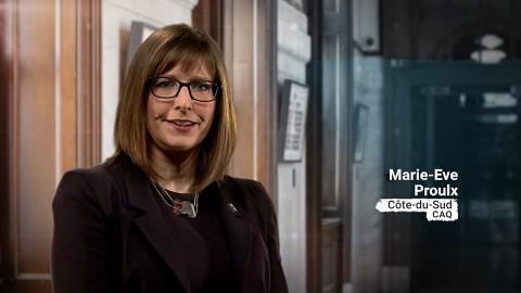 Marie-Eve Proulx souligne les investissements de 361 M$ dans la région de Chaudière-Appalaches et de 469 M$ dans la région du Bas-Saint-Laurent