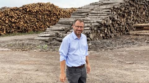 Simon Bérubé appuie l'industrie forestière de la circonscription