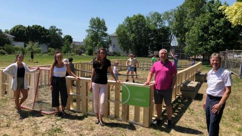 La Ville de Montmagny aménage un jeu de baby-foot géant à l'école Beaubien