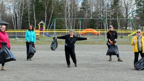 Nettoyage des aires publiques dans la MRC de L'Islet pour le Jour de la Terre