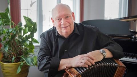 Changement de garde pour le carrefour ; Raynald Ouellet quittera le Carrefour Mondial de l'Accordéon