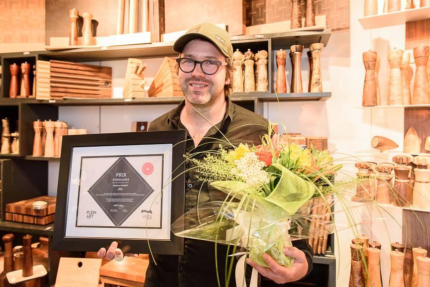 un artisan de rivi re ouelle gagne le prix provincial 2017 des m tiers d 39 art cmatv. Black Bedroom Furniture Sets. Home Design Ideas